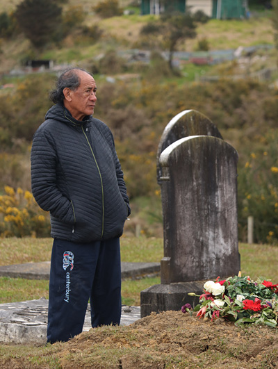 Paul Thomas at his brother's grave