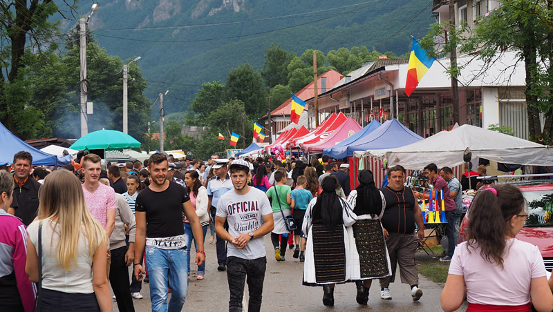 The normally sleepy village of Avram Iancu was packed for the festival