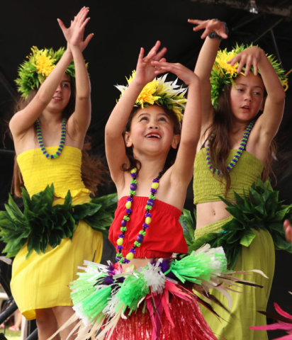 OCTOBER: Lilia Koni, Naia Rewi-Rati and Kailyn Rapana perform a Cook Islands dance during a Ngāti Hine festival in Moerewa. Photo: Peter de Graaf