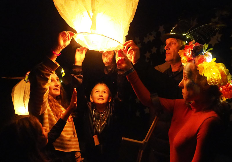 JUNE: Tessa Bogaers, Ava De Rosa, Billy Bogaers and Freya Holland release a lantern at Oromahoe School's Light Festival. Photo: Peter de Graaf