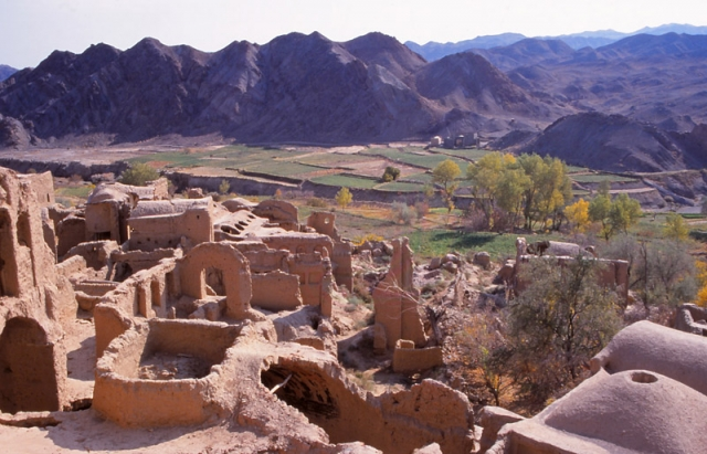 Mud-brick ruins of the 1000-year-old village of Kharanaq in central Iran