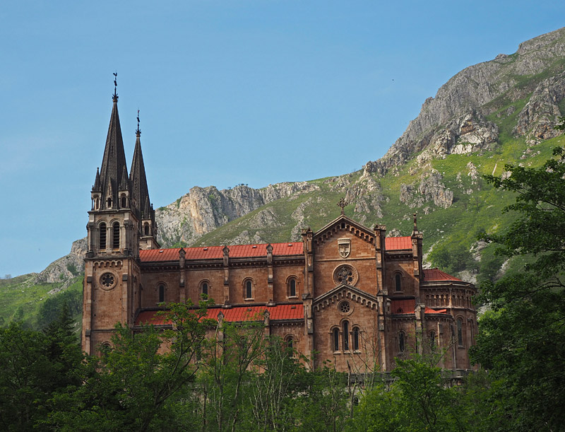 The Basílica de Santa María la Real de Covadonga is said to mark the site of the first Spanish victory over Muslim rulers around the year 720AD