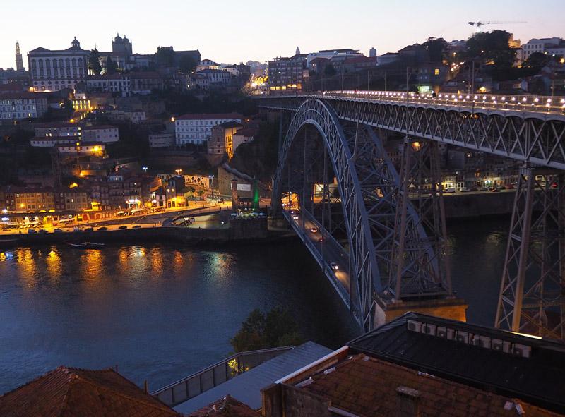 The Ponte de Dom Luis I by night