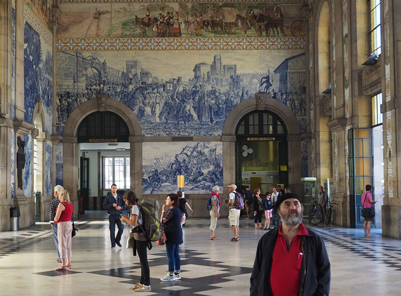Even the railway station in Porto, decorated with more than 20,000 traditional azulejo tiles, is a thing of beauty