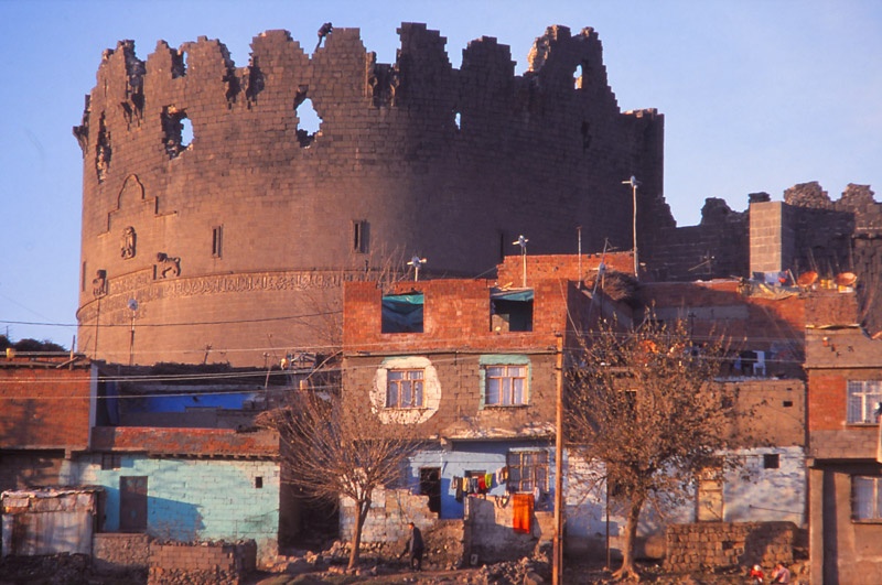 Fourth-century city walls tower over houses in Diyarbakır