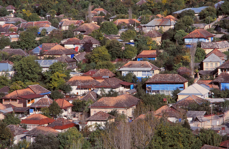 Houses in the mountain town of Şeki