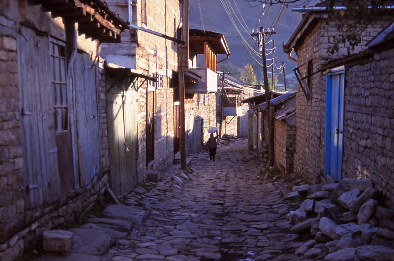 The cobbled main street of Lahıc