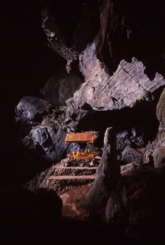 Reclining Buddha in Tham Pu Kham cave, Vang Vieng