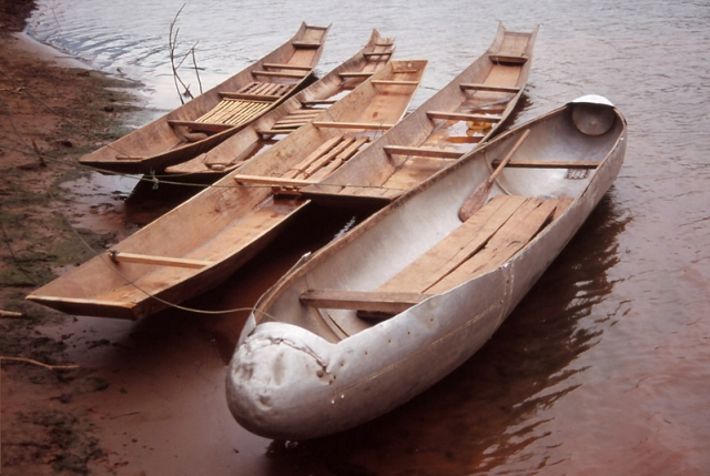 A fuel tank jettisoned by a US warplane is cleverly turned into a boat on the Nam Ou River. Photo: Peter de Graaf